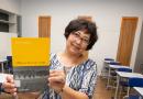 A babá que aprendeu a ler sozinha e hoje faz faculdade de pedagogia