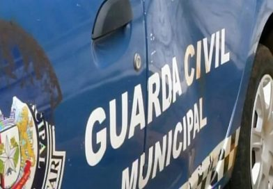 Moradores quebram viatura em Itararé