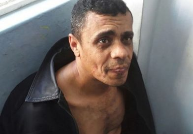 Agressor de facada em Bolsonaro é absolvido por facada