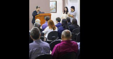 AGENTE PUBLICOS E POLITICOS DO INTERIOR PARTICIPAM DE PALESTRA