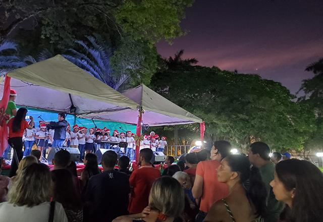 Natal Luz têm início em Tietê com apresentação de escolas e Carreta de Natal